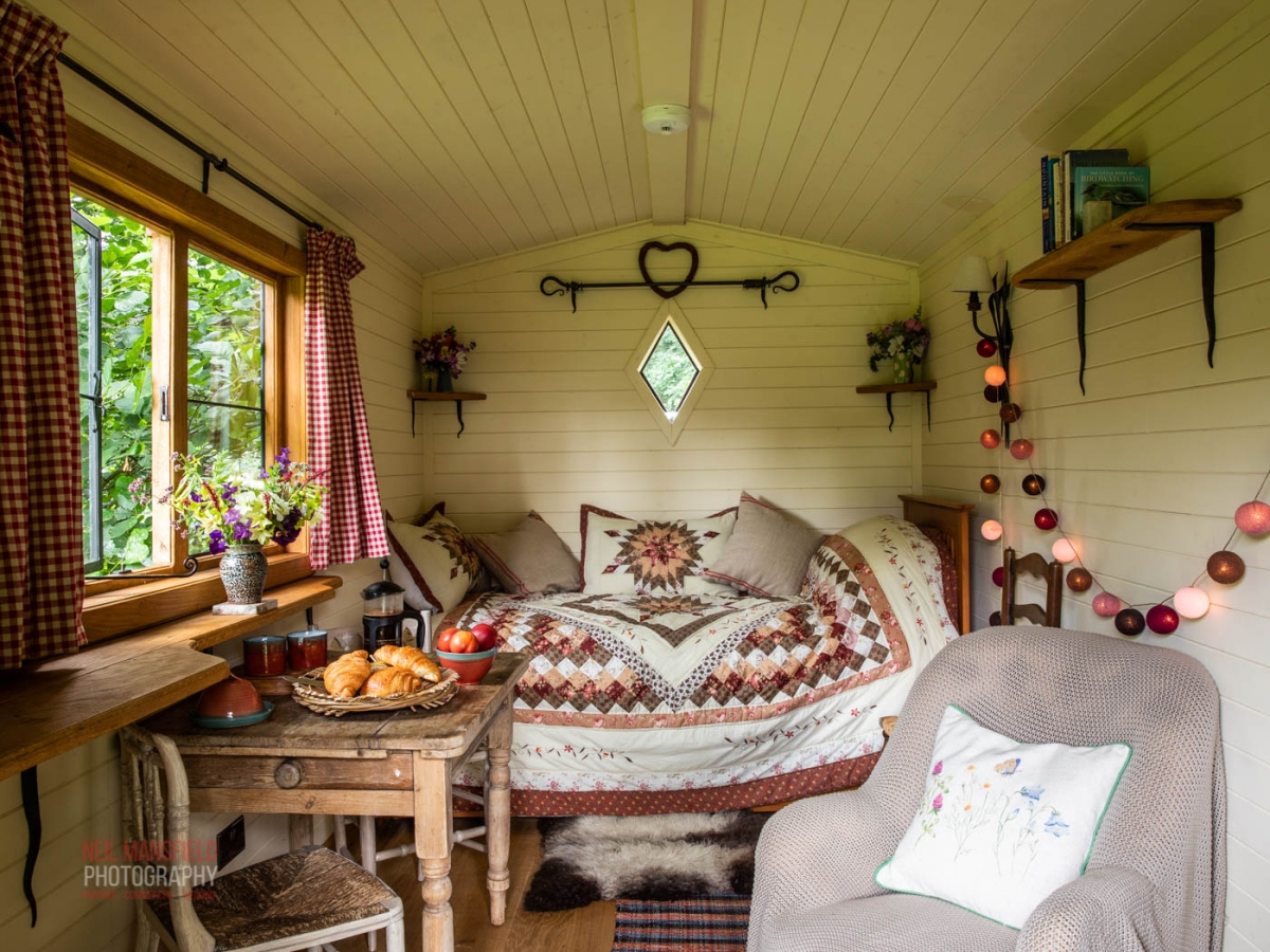 black mountains shepherd huts 1503 copy